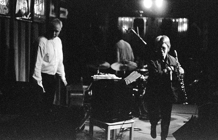 Jane Ira Bloom Trio ends the set -- old Outpost Performance Space, Albuquerque -- October 28, 1996 ---- Jane Ira Bloom(soprano saxophone), Cameron Brown(bass), Bobby Previte(drums) -- photo by Mark Weber