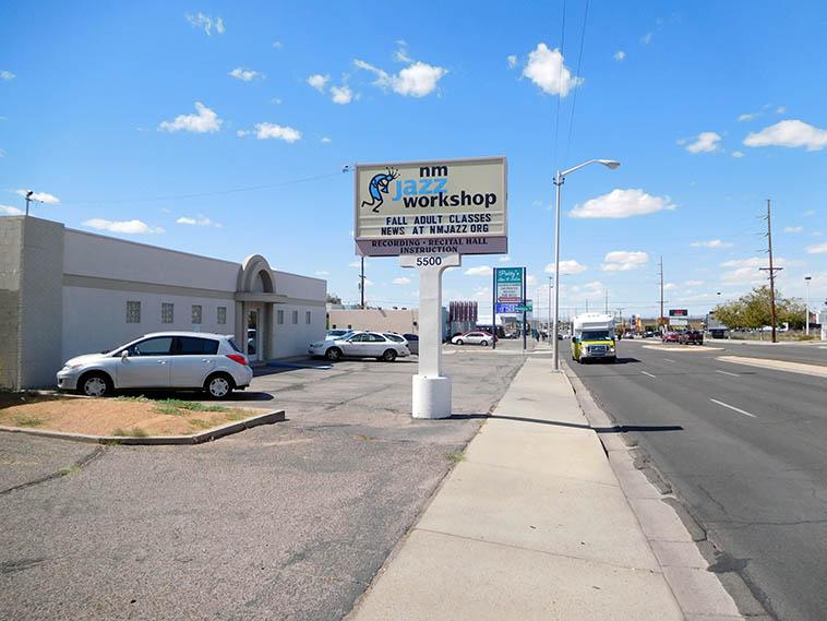 Looking west down Lomas Blvd, Albuquerque -- September 16, 2o17 -- photo by Mark Weber
