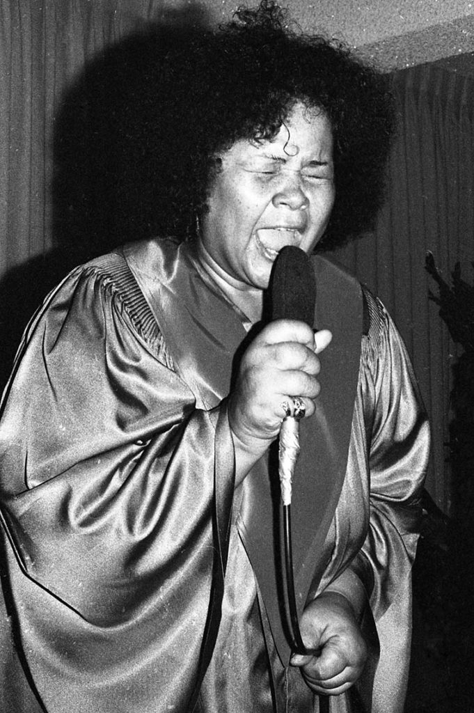 Etta James singing her salvation at Johnny Otis' church Sunday morning -- October 14, 1981 -- photo Mark Weber