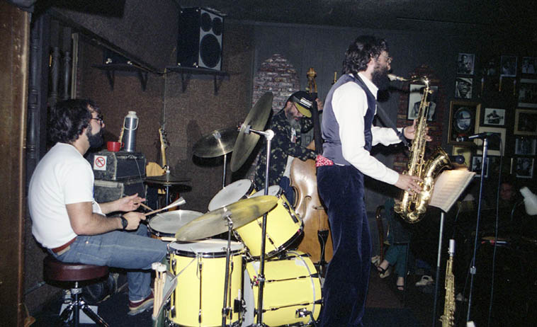 "The late great BUELL NEIDLINGER with his Krystall Klear & the Buells quartet at Carmelo's, North Hollywood -- March 25, 1981 w/ Jerry Peters(piano), Peter Erskine(drums), Marty(saxophones), and Buell on bass -- the last time I spoke with Buell only a few days before he got away from us, among other things he told me about auditioning for the Capt Beefheart Magic Band and Beefheart asked ""Where are your banjo finger picks?"" so, Buell ran out and bought some metal banjo finger picks to use on his electric bass ---- Photo by Mark Weber"