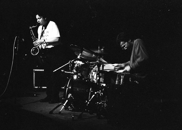 Phillip Greenlief & Scott Amendola in duet @ Alligator Lounge, Santa Monica, California – December 18, 1995 – photo by Mark Weber