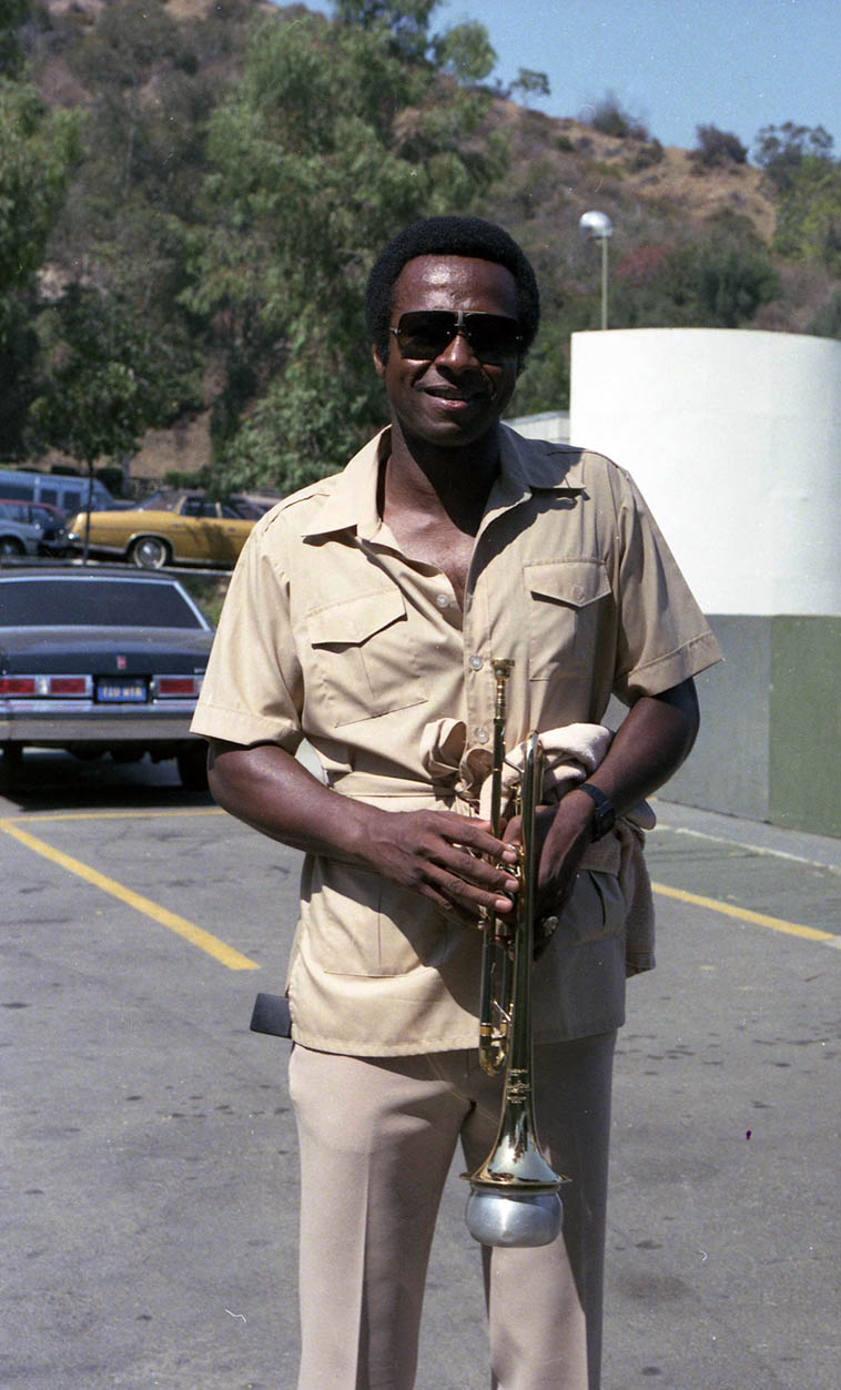 Oscar Brashear – June 16, 1984 Hollywood Bowl ---- photo by Mark Weber ---- Oscar Brashear came out of Chicago (b.1944) went on the road with Basie 1968-1969, moved to Los Angeles in 1971 caught Gerald Wilson Orchestra and met Harold Land worked with both of them quite a bit, also on the coast w/ Henry Franklin, Kenny Burrell, Bobby Hutcherson, Hampton Hawes, Oliver Nelson, Horace Silver, Shelly Manne, Moacir Santos, Joe Henderson, and even Warne Marsh (that date that produced Elek Bacsik album) ---- We'll listen this day to one of my all-time favorite records: Harold Land's XOCIA'S DANCE (1972) that Mr Brashear is deep in the mix ---- He's listed on 275 sessions at Tom Lord Jazz Discography