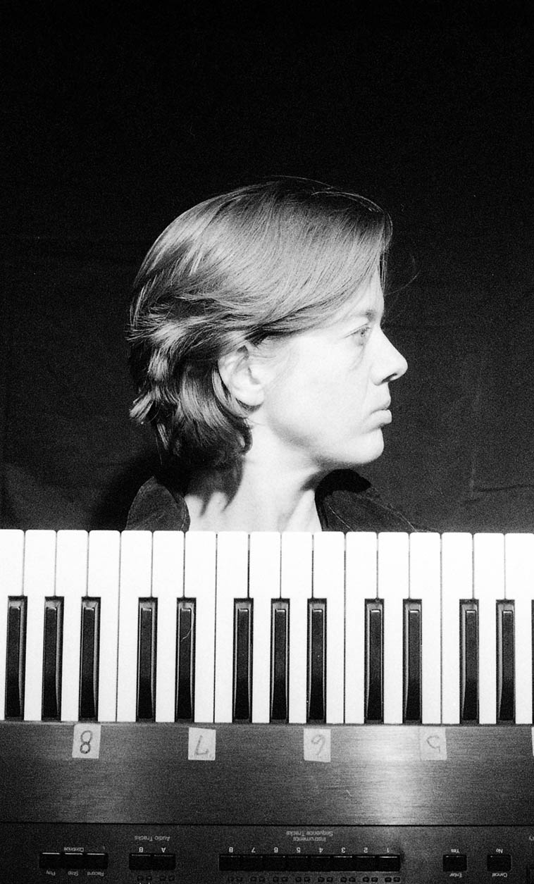 CK Barlow ---- October 10, 1999 Albuquerque ---- CK is a keyboard player & laptop sound designer, many of her compositions can be found on my Zerx Records