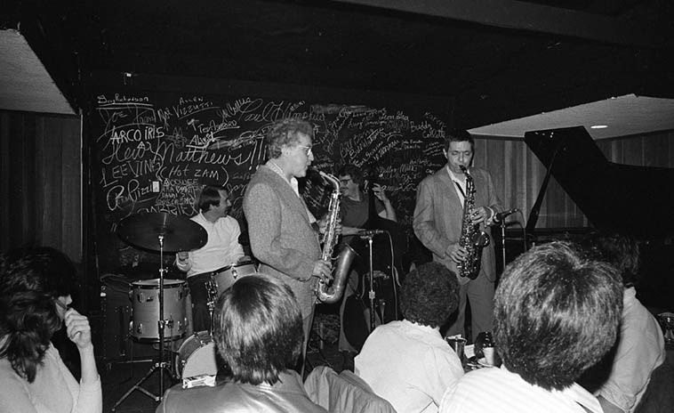 Requiescat in pace Lee Konitz ---- Living out in the West my whole life I was only able to catch Lee a half dozen times ---- This is my favorite photo of him from my camera: He's sitting in with Art Pepper's Quartet at Donte's in North Hollywood ---- January 15, 1981 (three days later they would go into the studio and record the album HIGH JINGO for the Japanese label Atlas) ---- John Dentz(drums), Bob Magnussen(bass), Mike Lang(piano) ---- photo by Mark Weber ---- Lee Konitz passed away April 15, 2020 age 92 a victim of Covid-19 in NYC