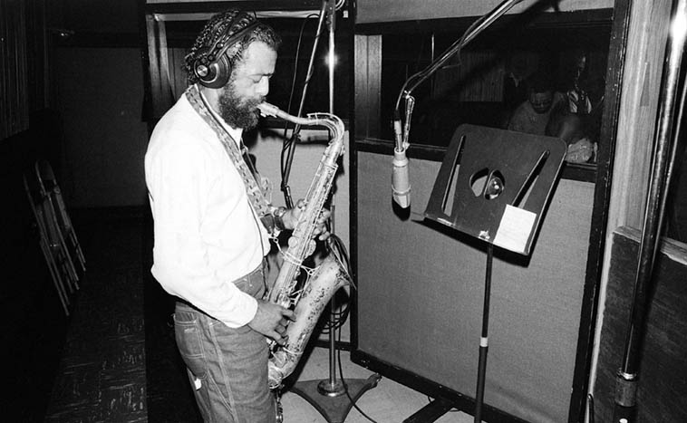 Billie Harris at United-Western Studios recording his I WANT SOME WATER (Nimbus) cd ---- May 3, 1980 (this was the follow-up session to the April 29 session) ---- photo by Mark Weber