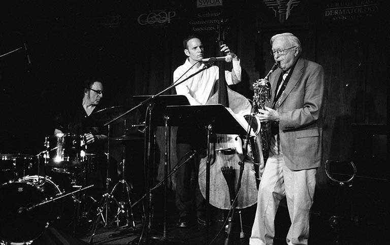 Arlen Asher Baritone Saxophone Trio (Tribute to Gerry Mulligan) ---- March 15, 2012 w/ Michael Glynn(bass) & John Trentacosta(drums) @ Outpost Performance Space ---- photo by Mark Weber ---- My four all-time favorite baritone players are Lars Gullin, Bob Gordon, Jack Nimitz, AND Arlen Asher, for that creamy sound they get, in the Lestorian mode