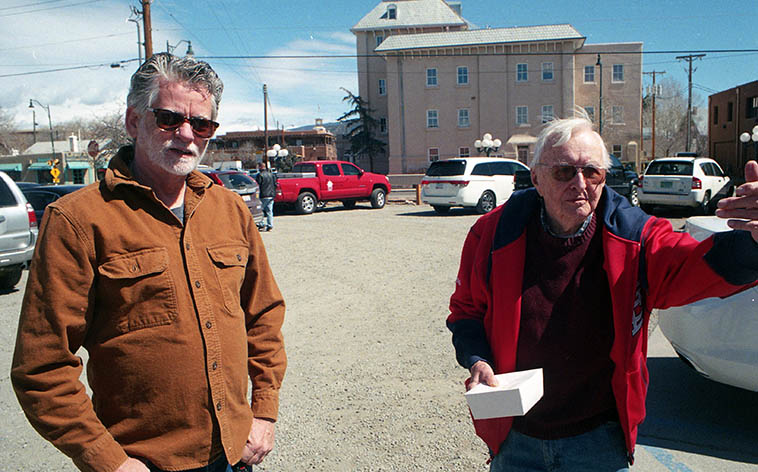 Cal Haines and Arlen Asher at Tomasita's Northern New Mexican Cuisine on the Railyard, Santa Fe ----- March 19, 2o18 ---- photo by MW ---- Frequent collaborators going back to the 80s, and we collaborated on lunch about a dozen times, too, always after the Monday radio show